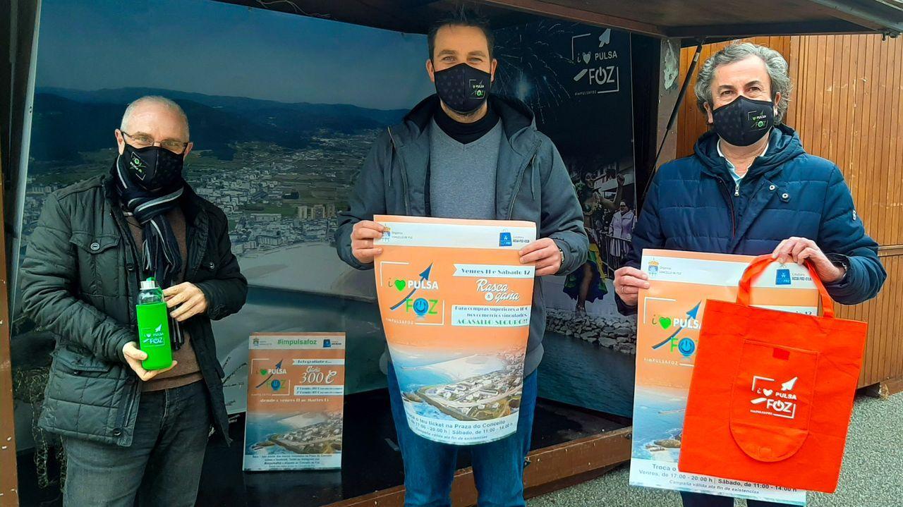 Linares, Cajoto y Paleo presentando la campaña Impulsa Foz, en apoyo al comercio local