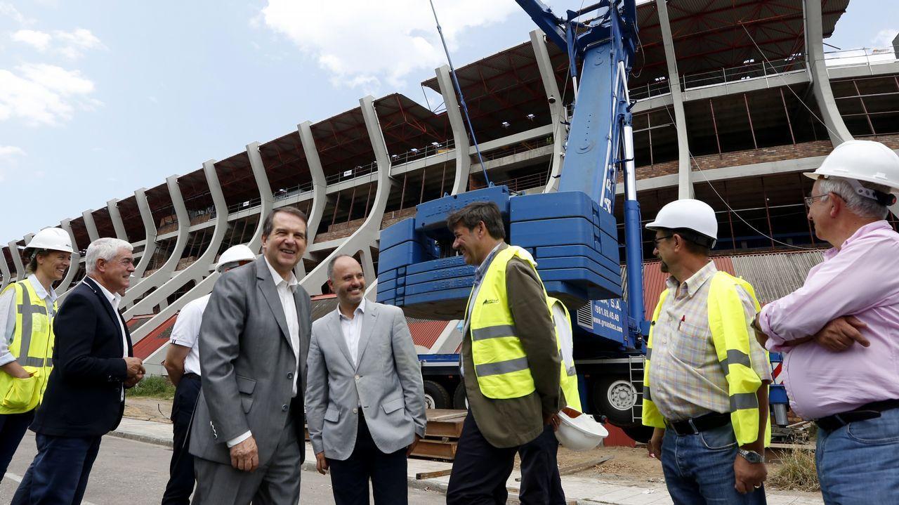El alcalde visita obras del estadio de balaidos