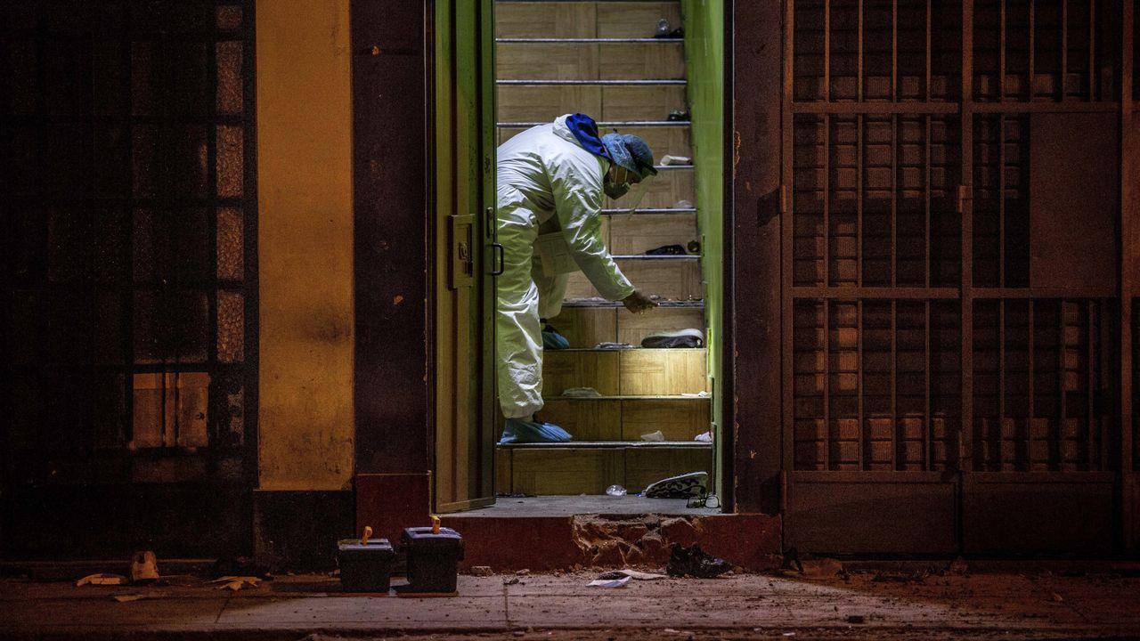 La salida de la discoteca de Lima donde se produjo la muerte de trece personas por una estampida
