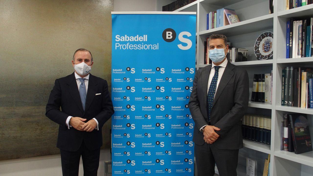Encuentro entre el presidente de la Xunta, Alberto Núñez Feijoo, y el presidente del Principado de Asturias, Adrián Barbón