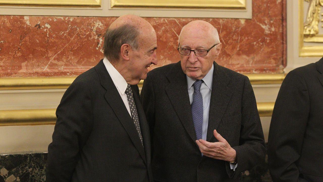 | efe.Miquel Roca y José Pedro Pérez-Llorca en un acto con motivo del 40 aniversario de la Constitución