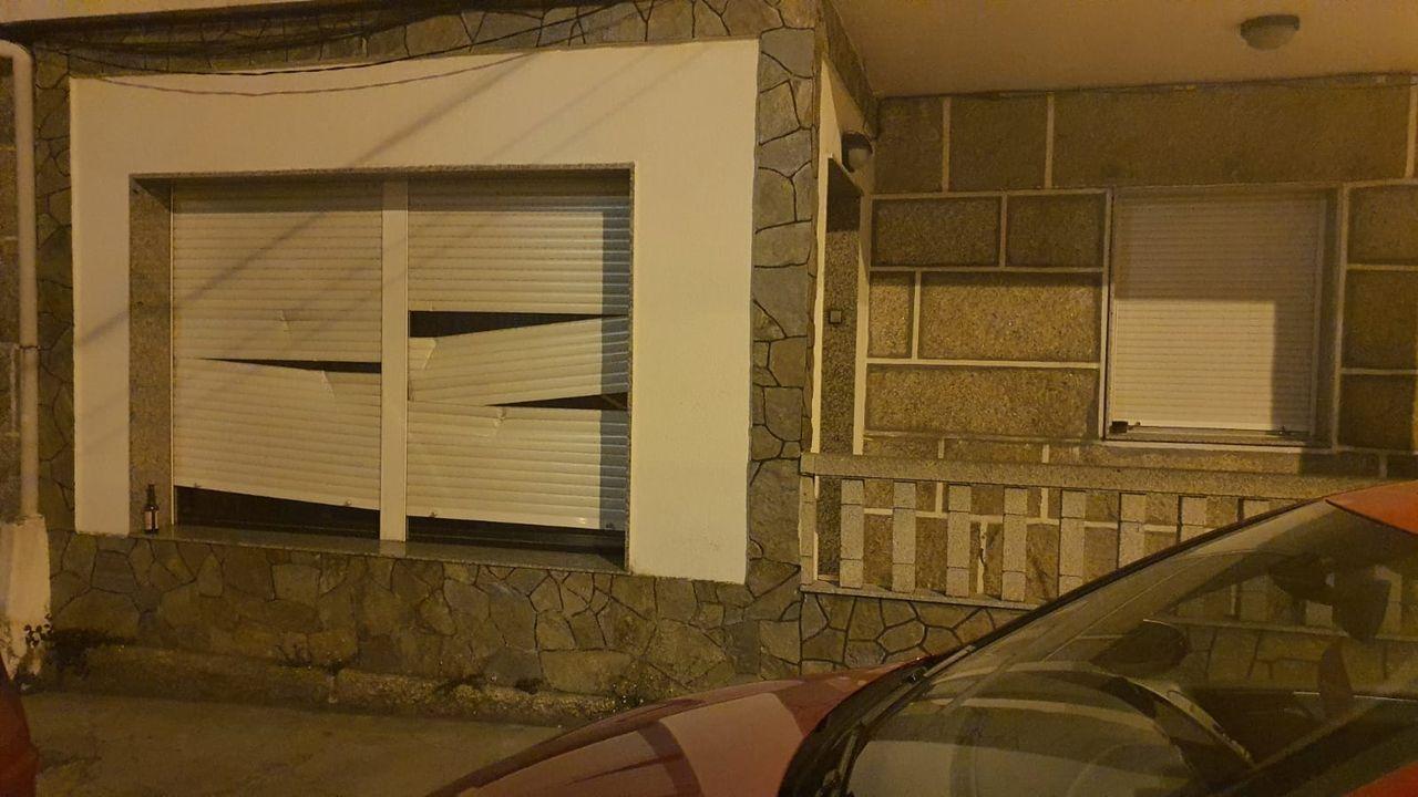Candados en una vivienda para evitar la entrada de okupas