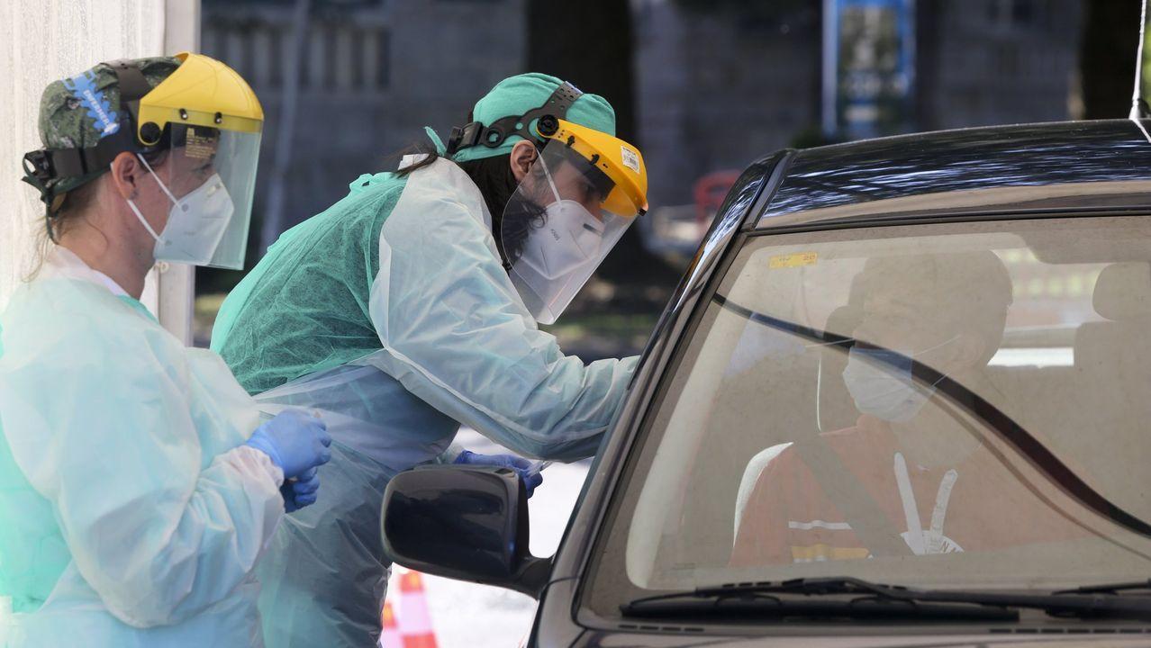 El área sanitaria de Ferrol cuenta con un punto para hacer las pruebas sin tener que salir del coche.
