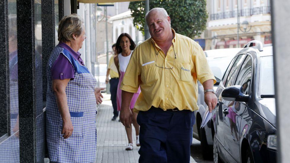 Avelino Ares, el único que habló con la prensa, se convirtió ayer en el «soltero de oro» de su localidad.