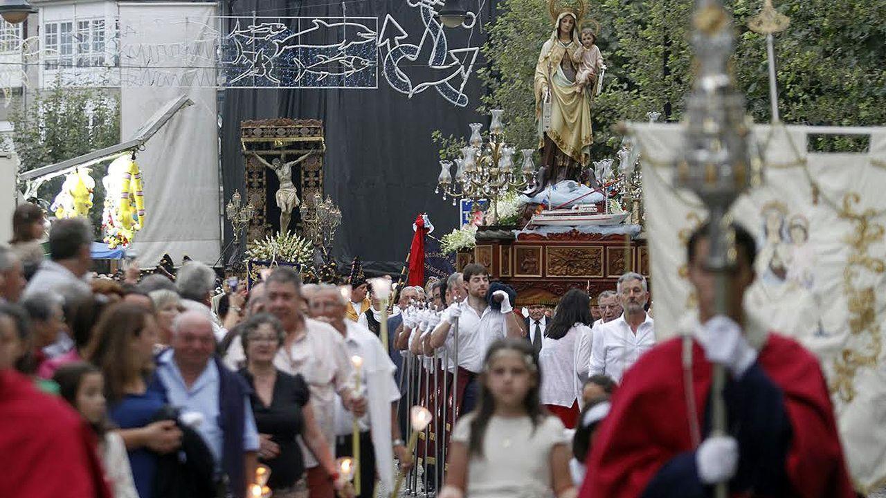 La procesión del Cristo del Consuelo y l aVirgen del Carmen saldrá a las 20.00 horas de la iglesia