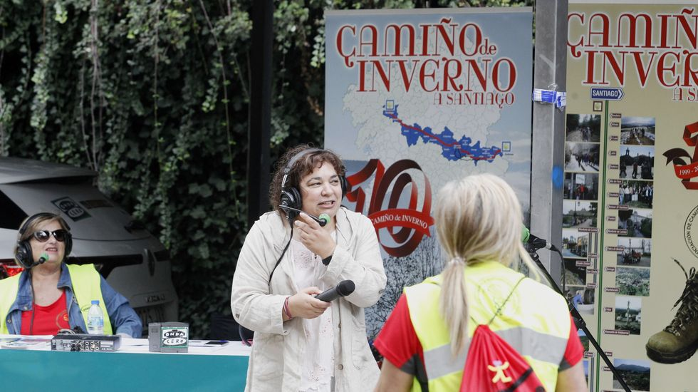 La periodista Manola Porto condujo un programa de radio en directo desde el final del recorrido