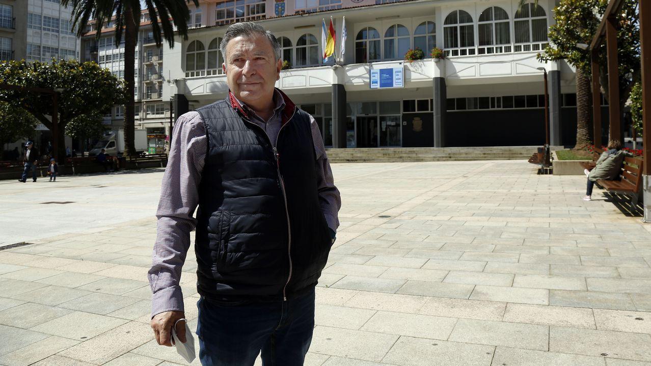 Las mejores imágenes del Memorial Manolo Dieste, carrera que recorrió las calles de Ribeira.Manuel Ruiz, alcalde de Ribeira