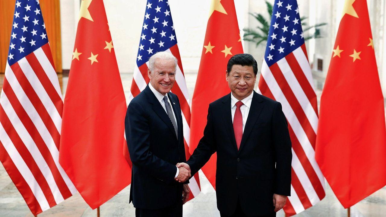 El presidente chino, Xi Jinping, y Biden, en el 2013, cuando este era vicepresidente