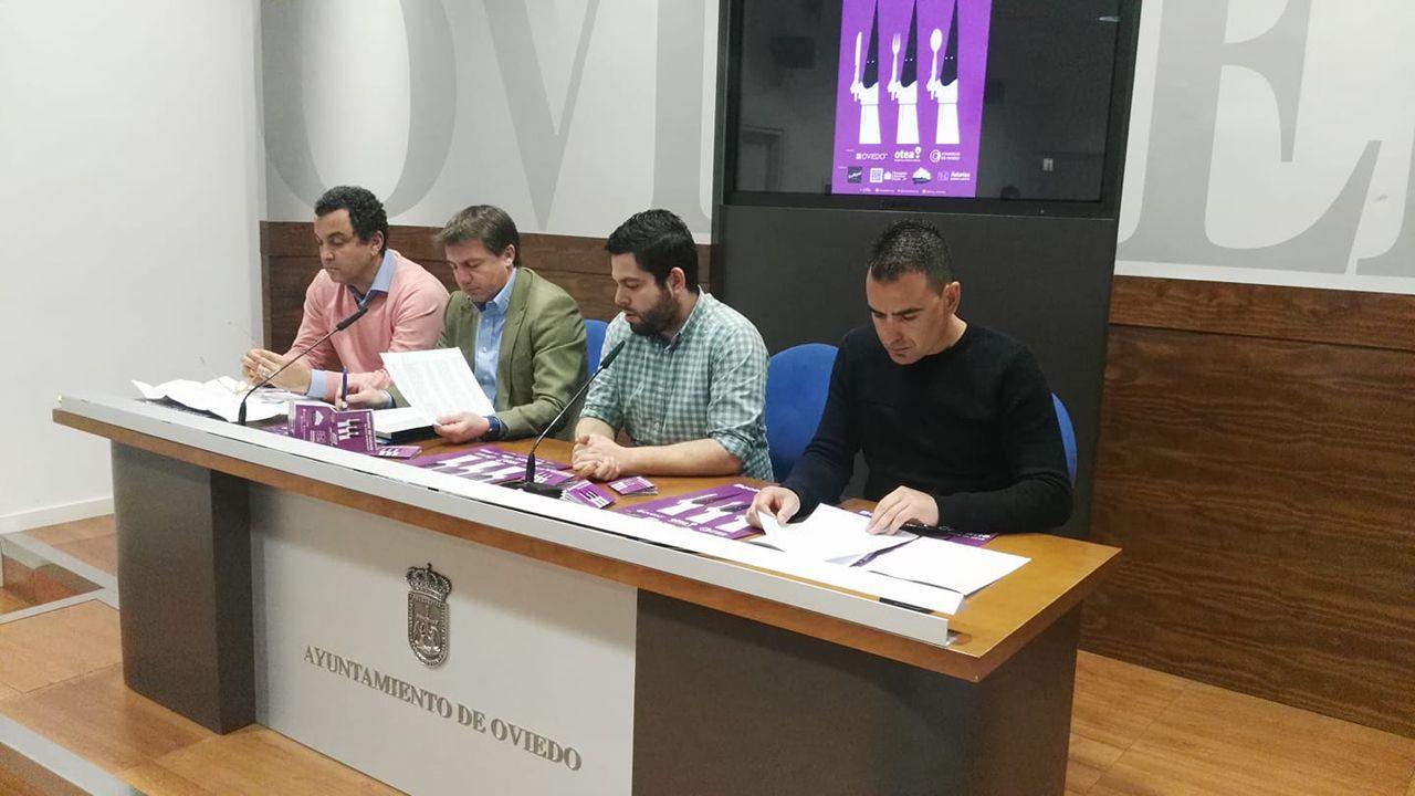 Jose Luis Álvarez Almeida, David González Codón, Rubén Rosón  y Nacho del Río en la presentación de Bocados del Cofrade