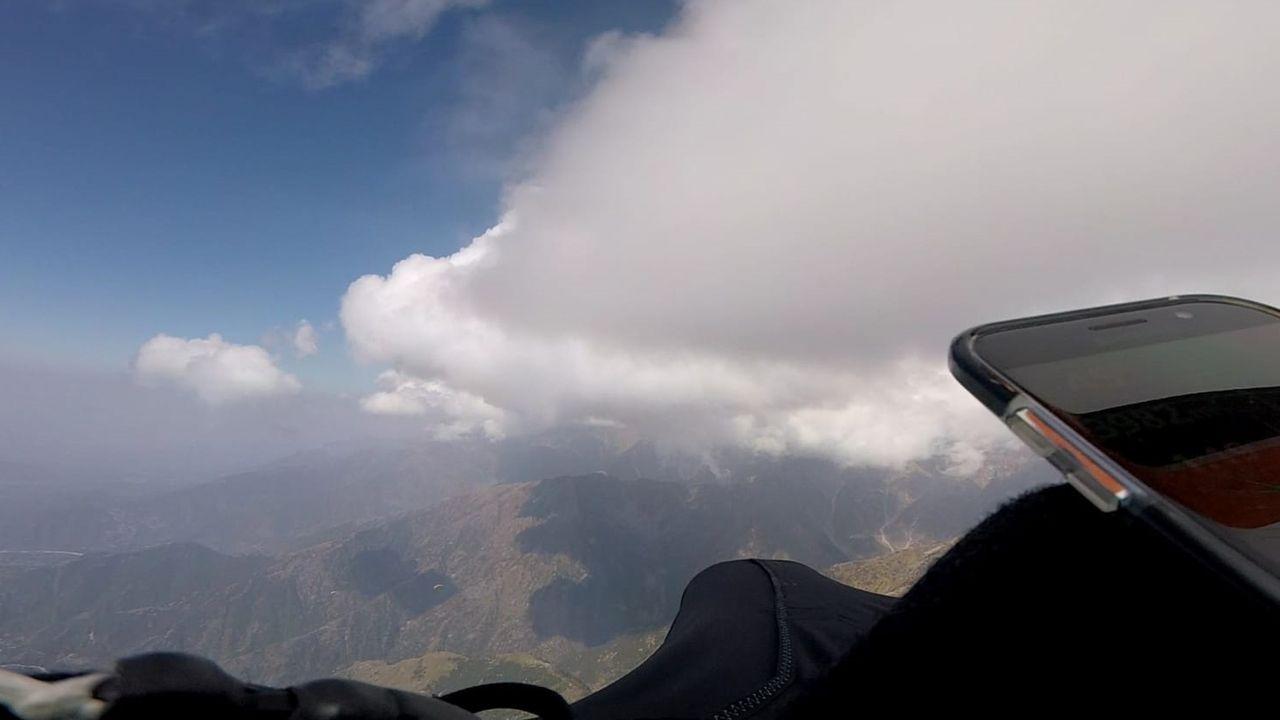 Vista de la montaña en India en la que se encuentra el parapentista asturiano