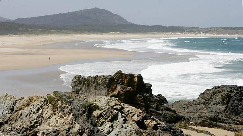 Playas con bandera azul en el 2014.<span lang= es-es >Continuos vertidos</span>. La calidad de las aguas del arenal se resiente. La imagen corresponde al último vertido detectado.