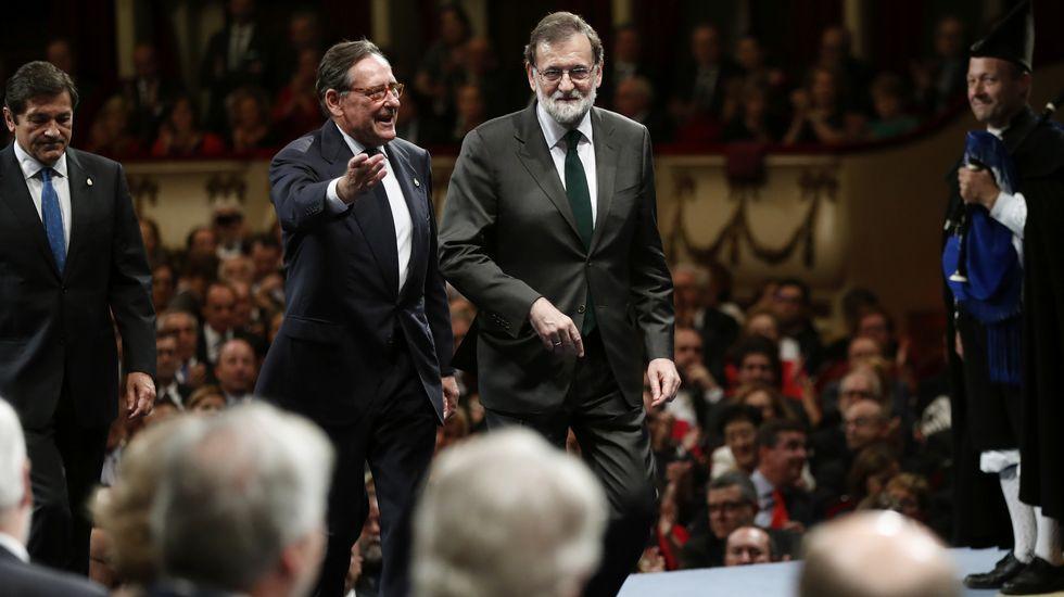 El presidente del Gobierno, Mariano Rajoy, a su llegada a la ceremonia de entrega de los premios Princesa de Asturias 2017