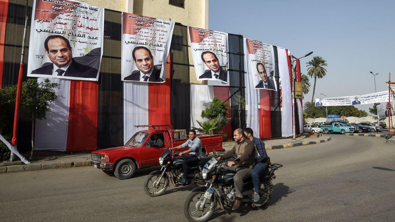Los carteles de Al Sisi están por todas partes