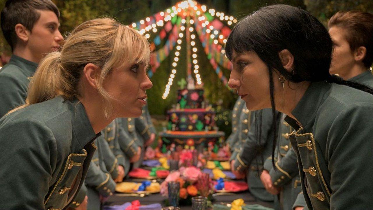 Las actrices Maggie Civantos y Najwa Nimri en «Vis a vis: el Oasis».