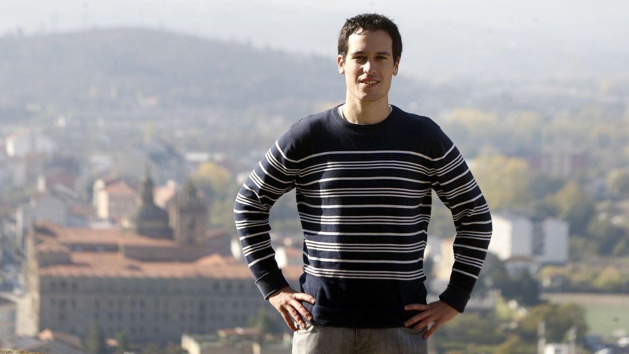 Aitor Freán nunha visita ao monte de San Vicente do Pino, en Monforte