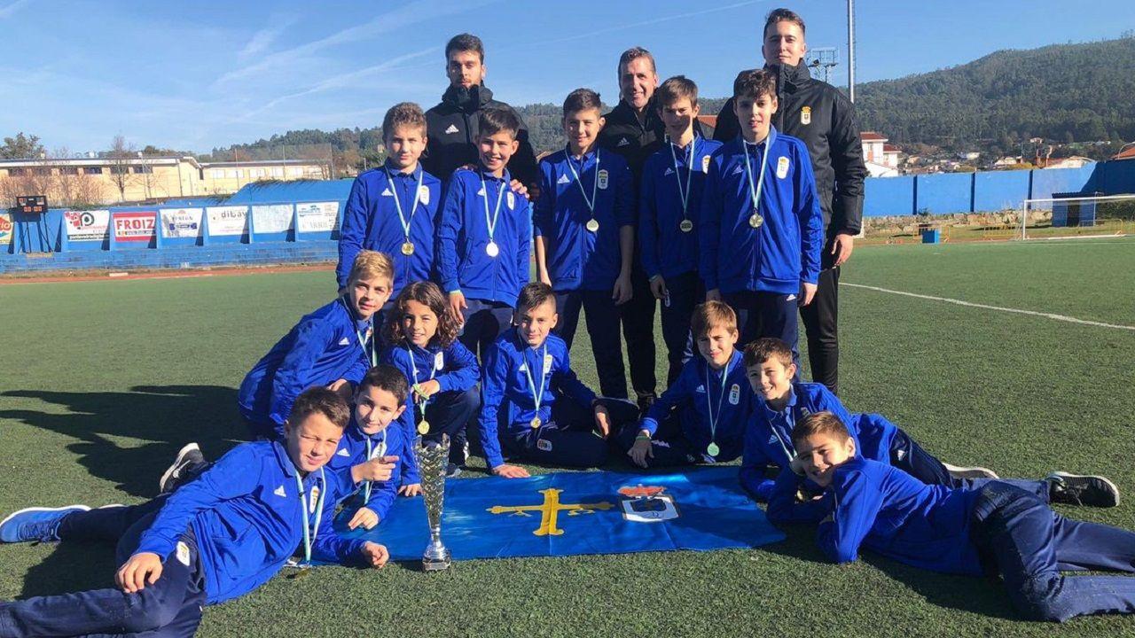 Convocatoria Real Oviedo Requexon Anquela Boateng Toche Mossa Champagne Prendes.Foto de equipo del alevín A del Real Oviedo
