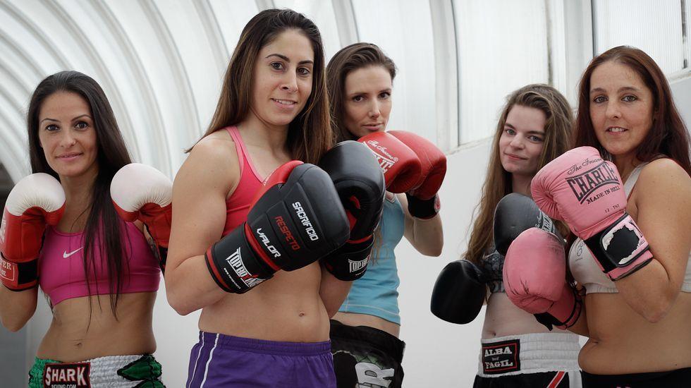Velada de boxeo femenino en A Coruña.El director y campeón del mundo Cipriano estuvo en Ponteceso.