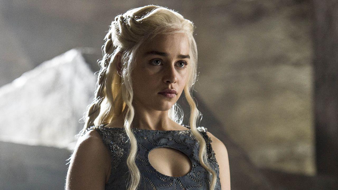 Primeras imágenes de la séptima temporada de «Juego de tronos».Daenerys frente al trono de Rocadragón, lugar desde el que planeará la reconquista de Poniente