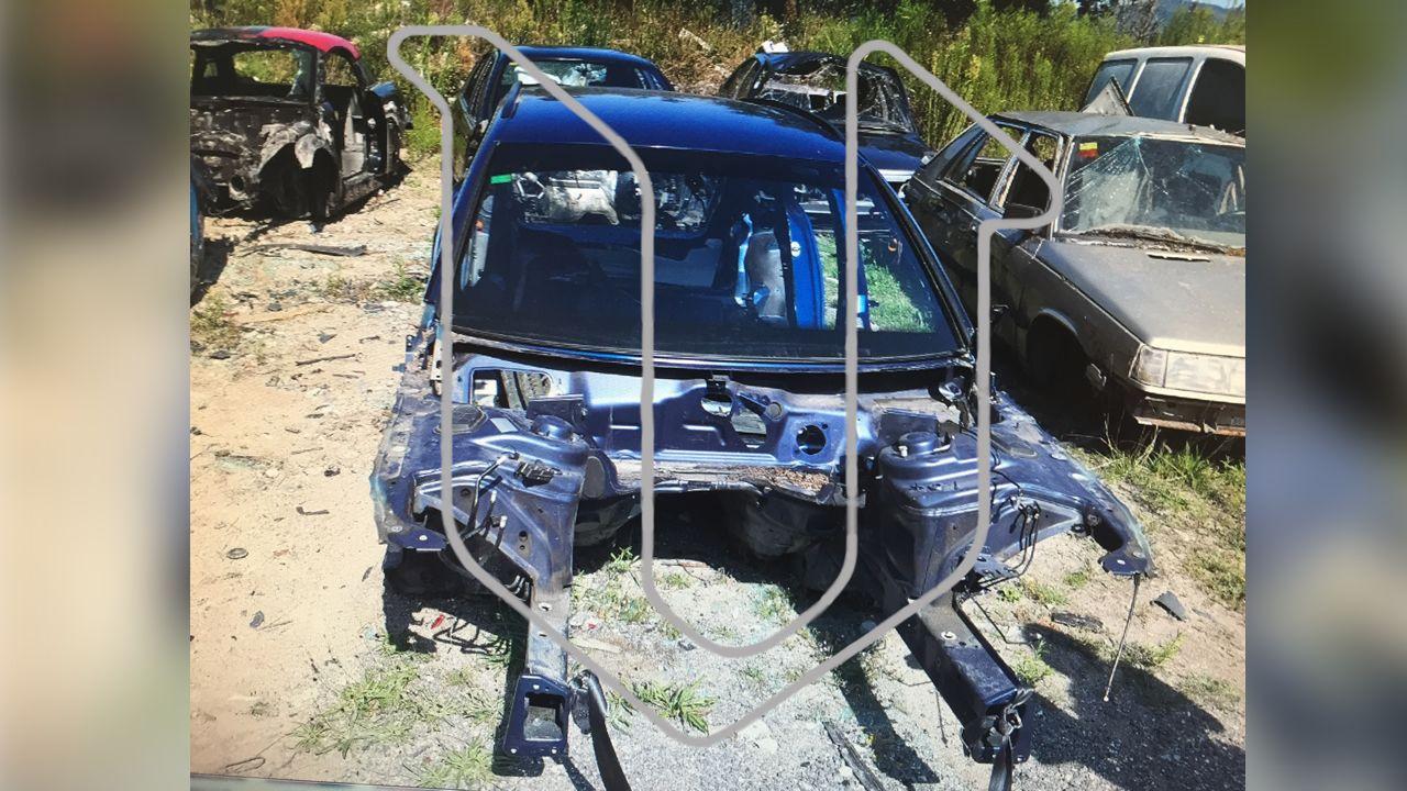El vehículo del Chicle, reducido a chatarra, sin el motor ni la parte delantera, fue localizado en este estado en el desguace ilegal