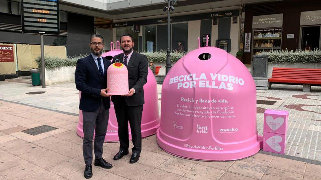 Gerardo Antuña y Germán Fernández en la presentación de la campaña Recicla vidrio por ellas