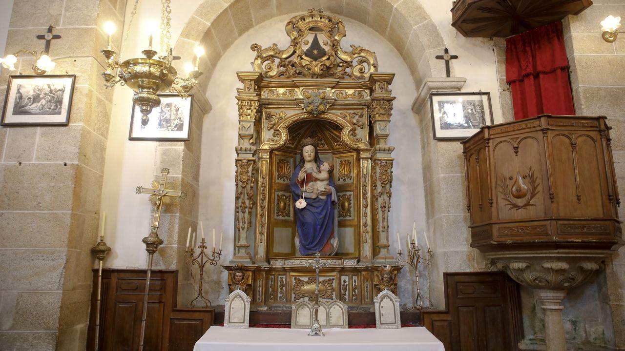 Altar de la igrexa do Carme