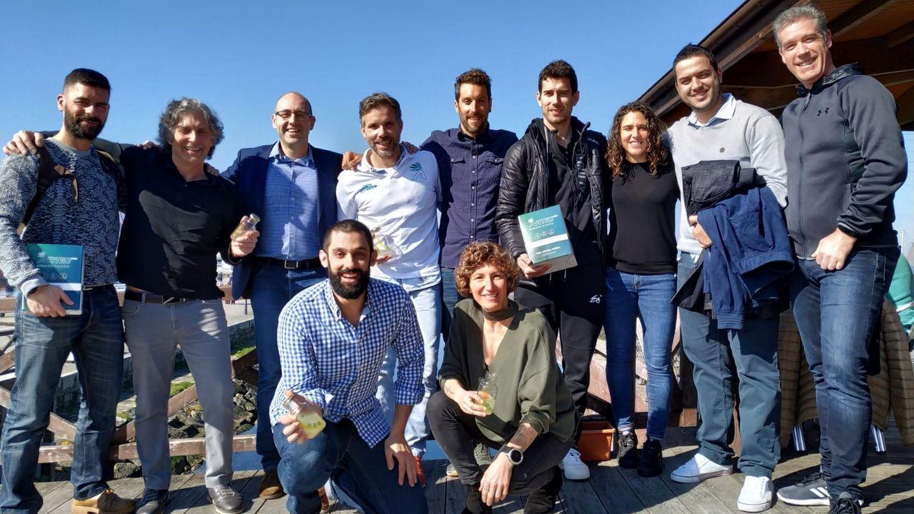 En directo: la Xunta explica el plan para la Navidad en Galicia.Pruebas del covid en el hospital clínico de Santiago
