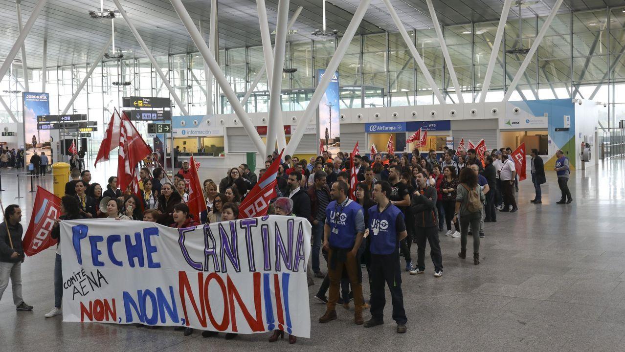 Así fue la llegada a Lavacolla de los niños que participan en el programa «Vacacións en paz».Aeropuerto de Asturias