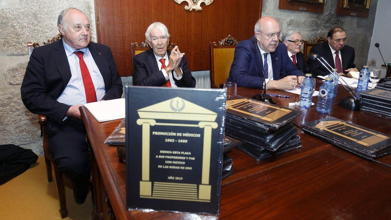 Bodas de oro de la promoción del 69 de Medicina.El actor Daniel Brühl y el expiloto Niki Lauda, premio de honor.