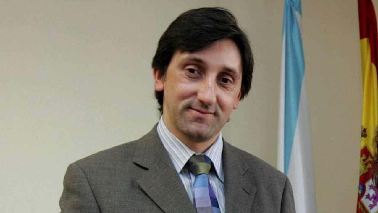 Búscate en la Carreira pola Igualdade del 8M.El alcalde recibió en el Ayuntamiento a representantes de la UNED