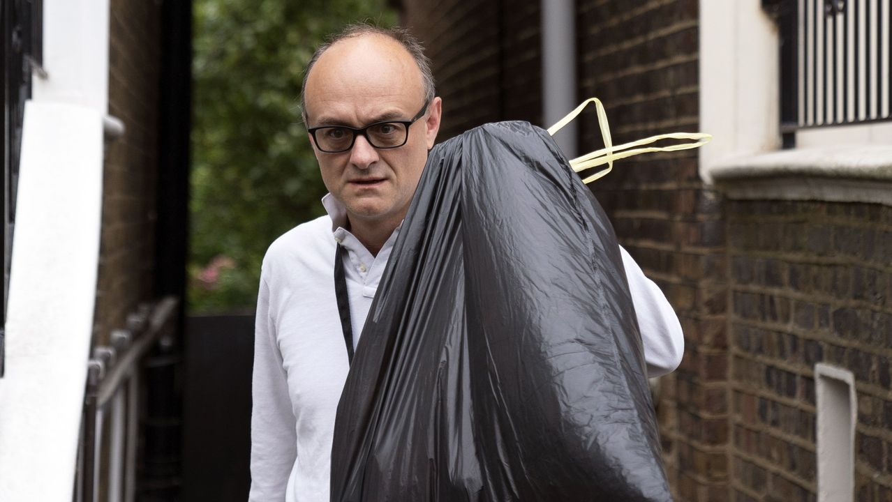 Dominic Cummings, este lunes, al salir de su domicilio en Londres
