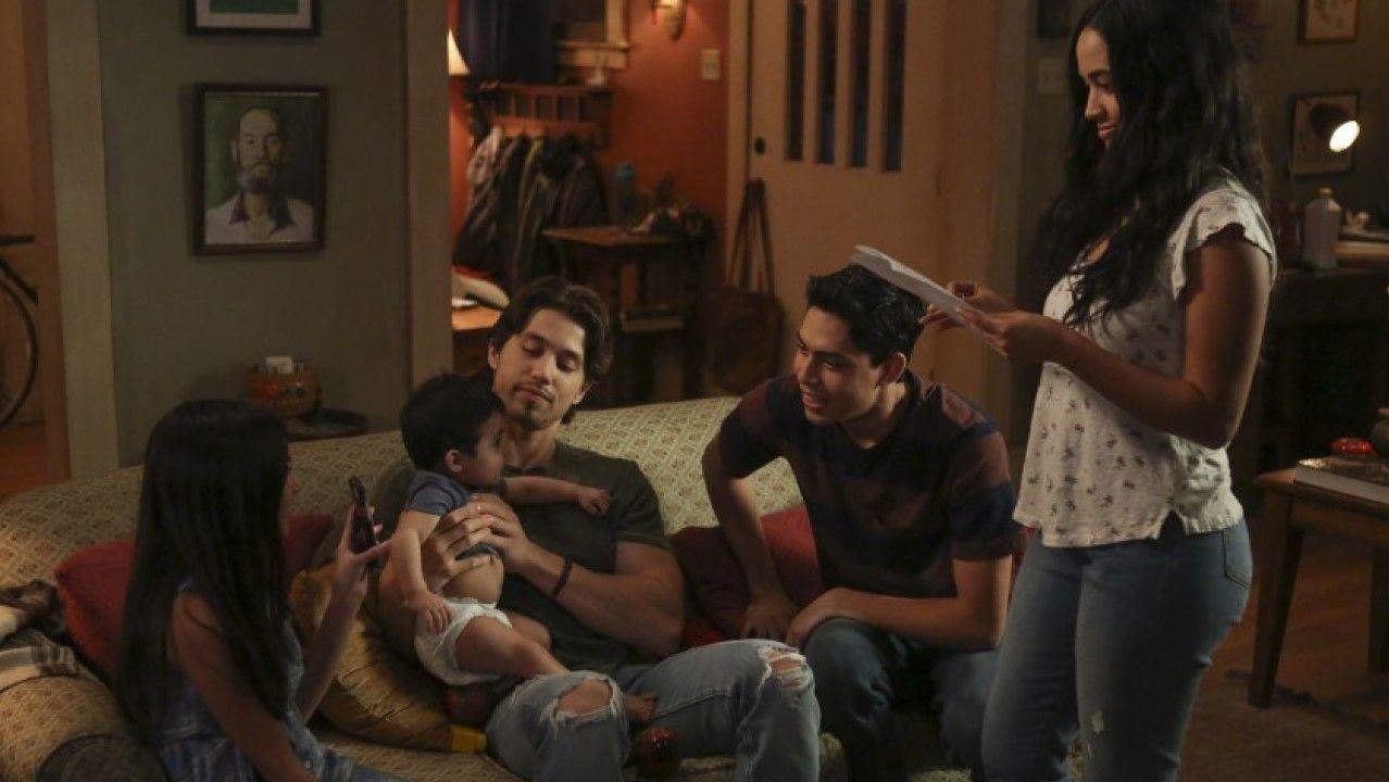 Los hermanos Acosta protagonizan la nueva versión de «Cinco en familia»