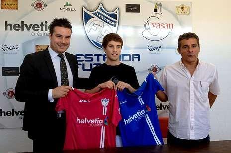 La directiva presentó ayer a Martín Varela como nuevo jugador.