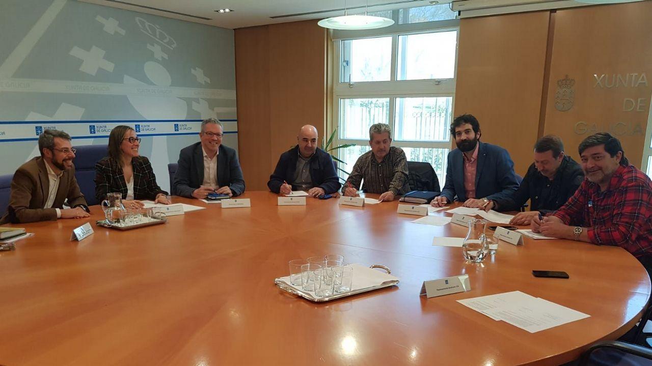 Hitos kilométricos en Galicia.Reunión entre los representantes de la Xunta y los cargos de la Consellería de Infraestruturas e Mobilidade