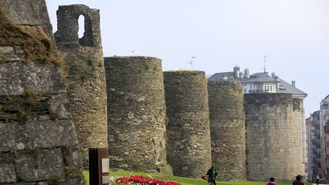 Un viaje por las obras más humanas del arte contemporáneo.La muralla de Lugo es el elemento más representativo de la ciudad.