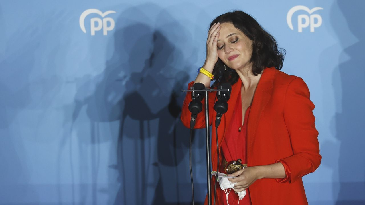 Díaz Ayuso fue recibida hoy con aplausos a su llegada al Comité Ejecutivo Nacional del PP