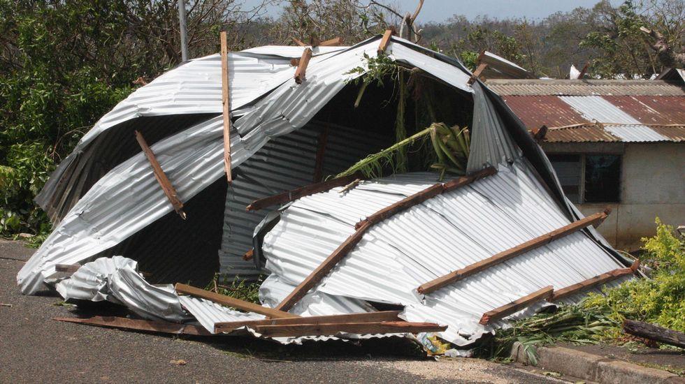 La tormenta tropical de categoría 5 arrasó con gran parte de la infraestructura de la capital Port Vila.