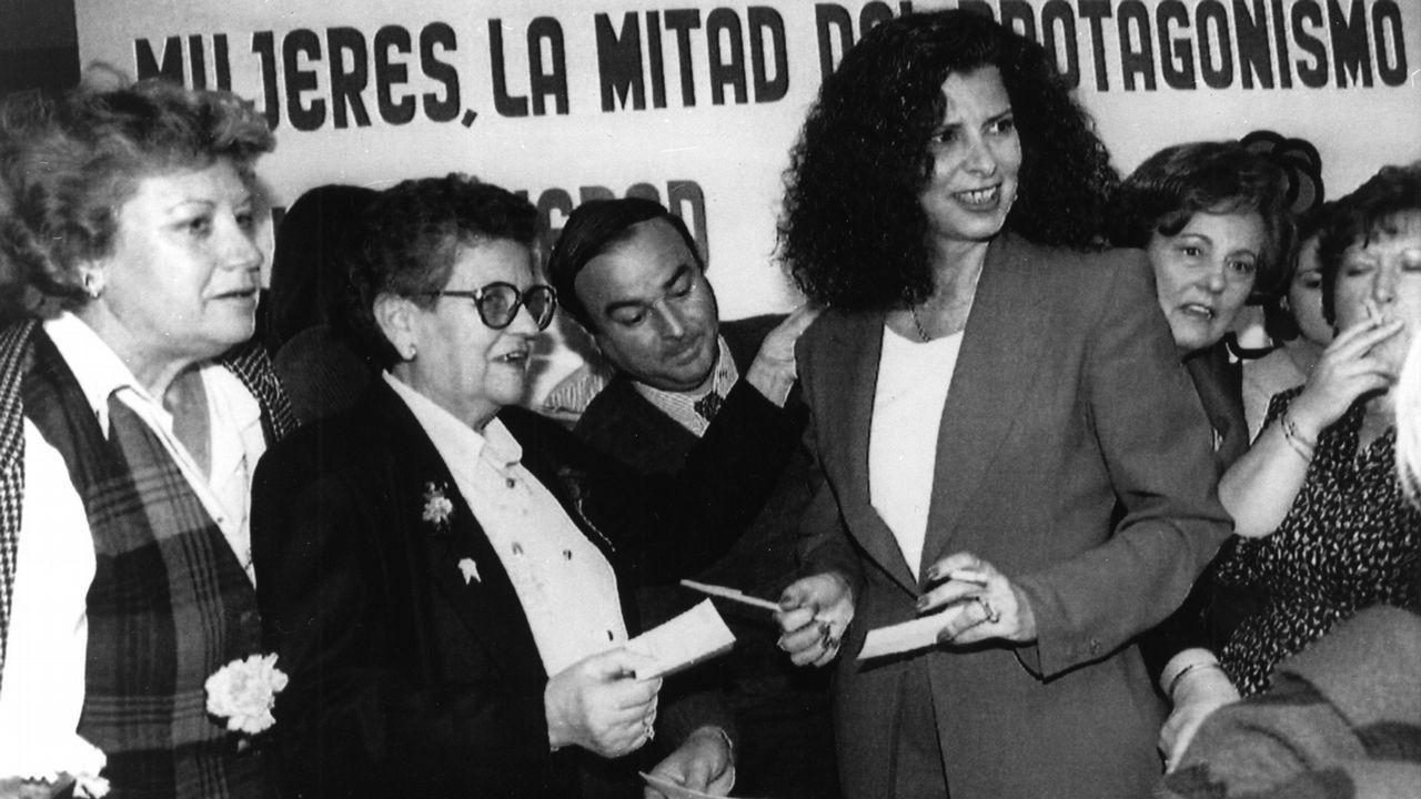 Alborch, durante los actos conmemorativos del Día Internacional de la Mujer Trabajadora en Valencia, en el año 1994