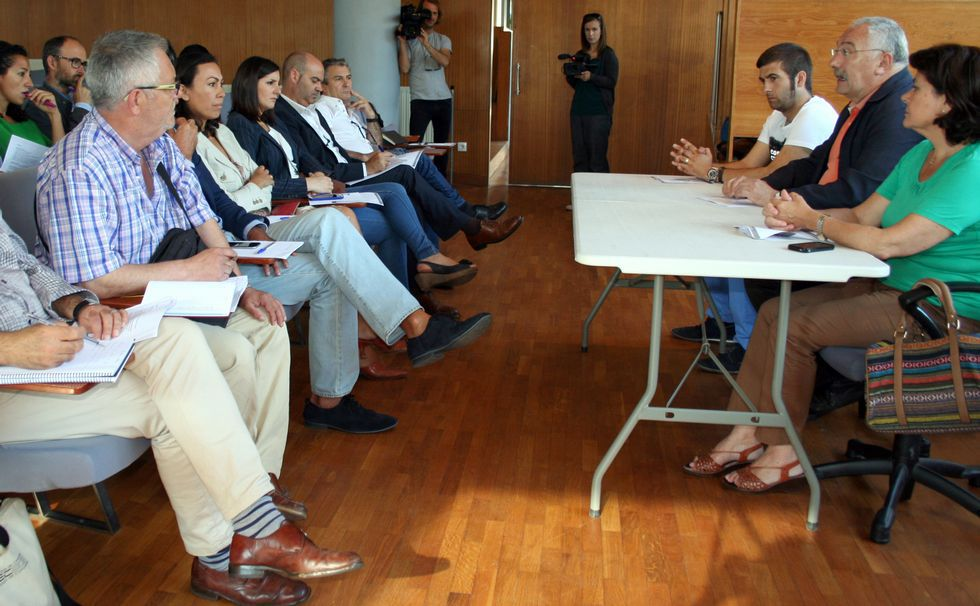 Reunión de César Mosquera con los alcaldes de O Morrazo