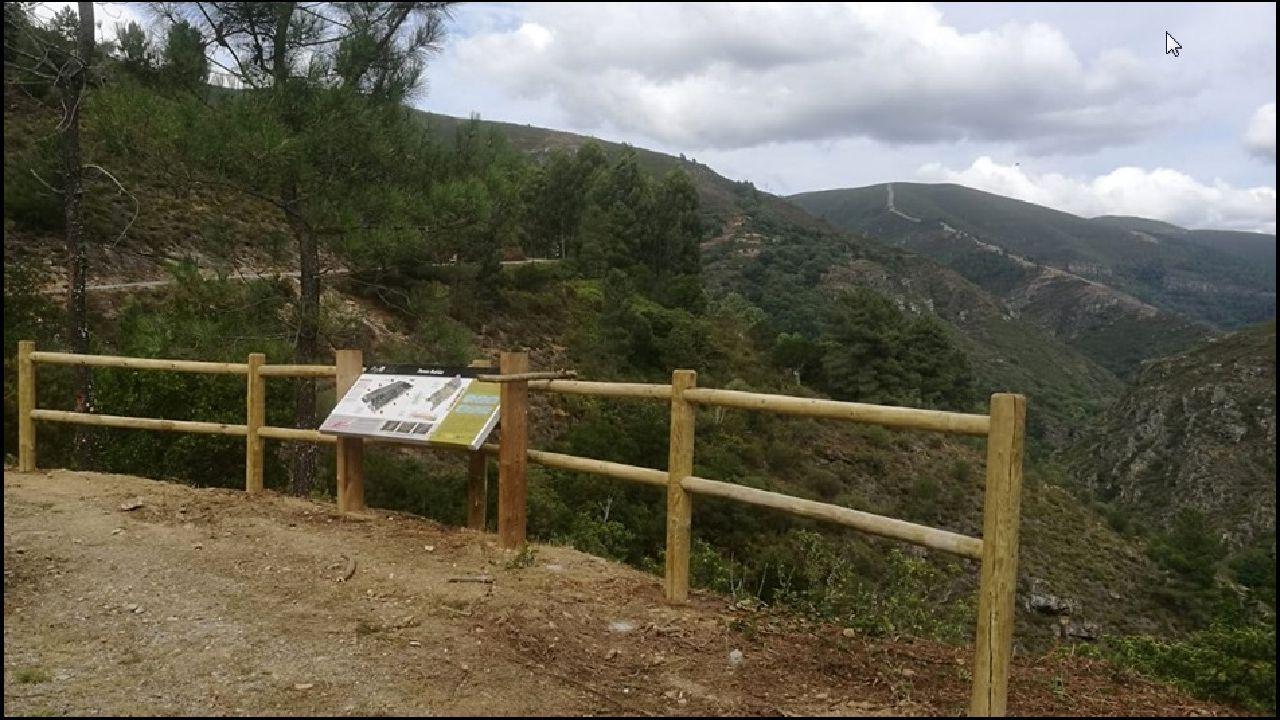 El nuevo mirador se encuentra junto a la carretera de Campos de Vila a Pacios da Serra