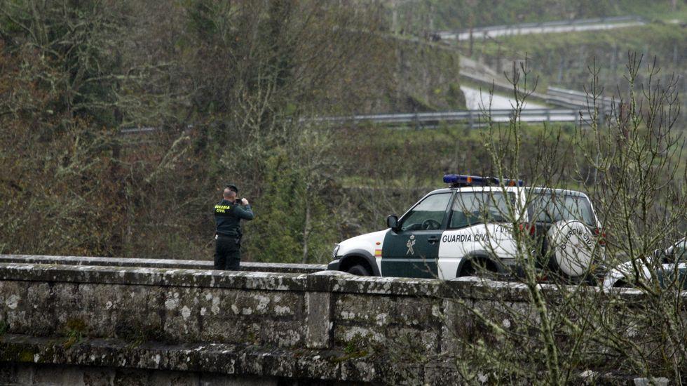 La búsqueda del joven de Láncara, en imágenes.La Guardia Civil continúa buscando al joven de Láncara en el embalse de Os Peares.