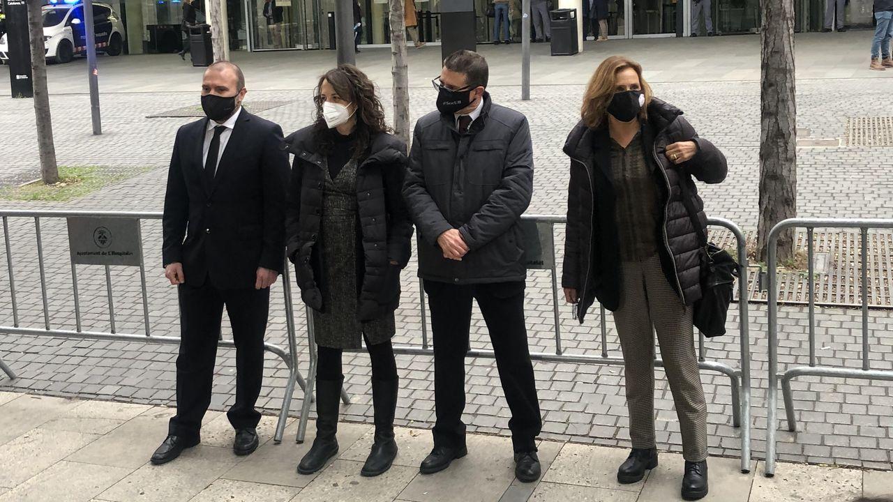 Miembros de la Sindicatura Electoral del 1-O encausados a las puertas de la Ciutat de la Justícia de Barcelona