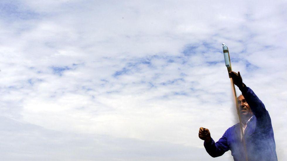 Artesanía viva en Vimianzo: las imágenes de la Panillada de As Nemanquiñas.Una de las meriendas, ayer, en San Fins do Castro, Cabana