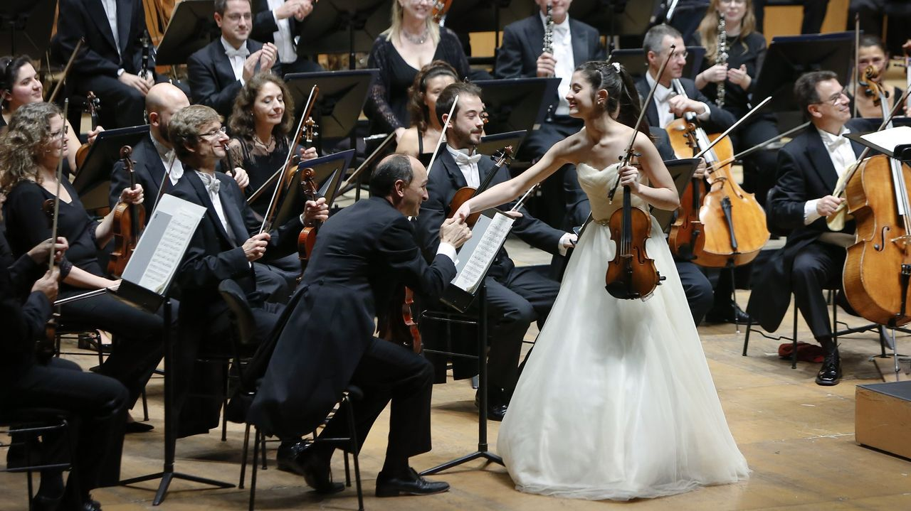 Adega O Bebedeiro.Concierto de la Sinfónica de Galicia con la violinista María Dueñas.