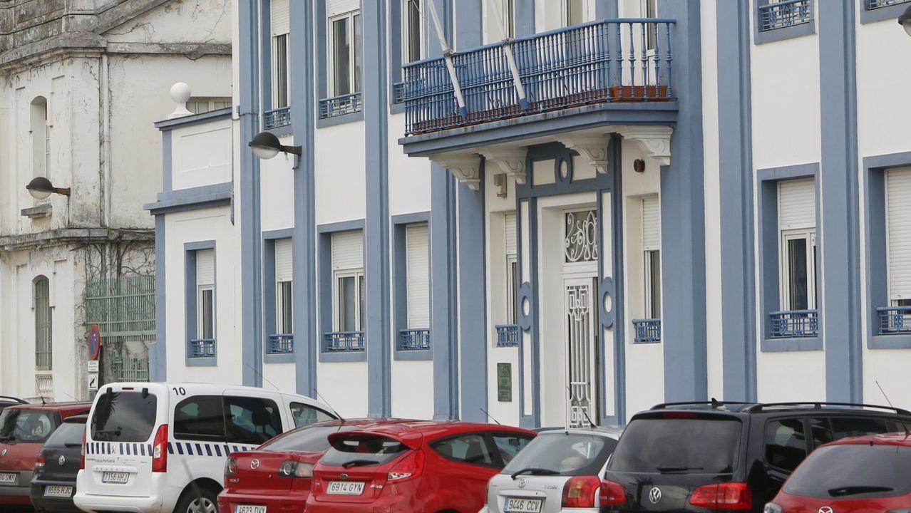 Los bomberos de Ferrol le dieron una sorpresa a Álvaro, un niño hospitalizado en el Juan Cardona