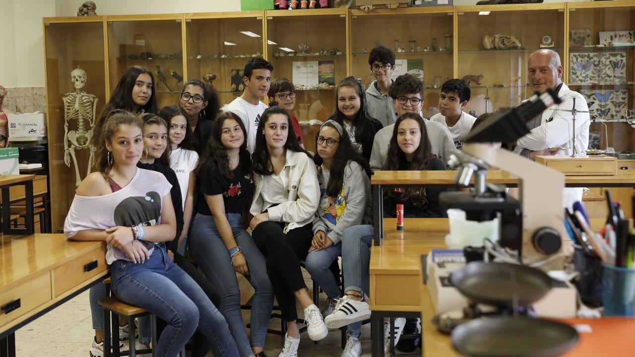 Los alumnos de las Josefinas presentan su laboratorio de investigación escolar.El jueves celebrarán en el CRA de Ponteceso una jornada de vendimia y esfolla