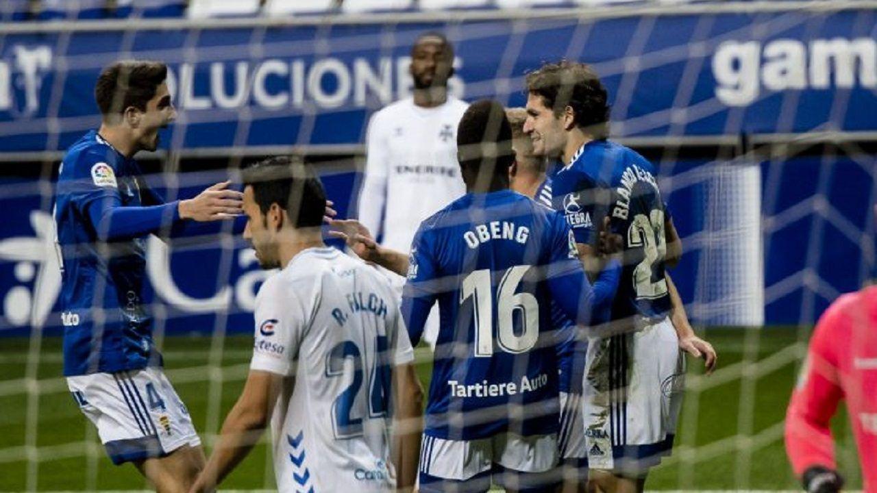 gol Blanco Leschuk Edgar Gonzalez Obeng Mossa Real Oviedo Tenerife Carlos Tartiere.Blanco Leschuk celebra uno de sus goles junto con Mossa, Obeng y Edgar