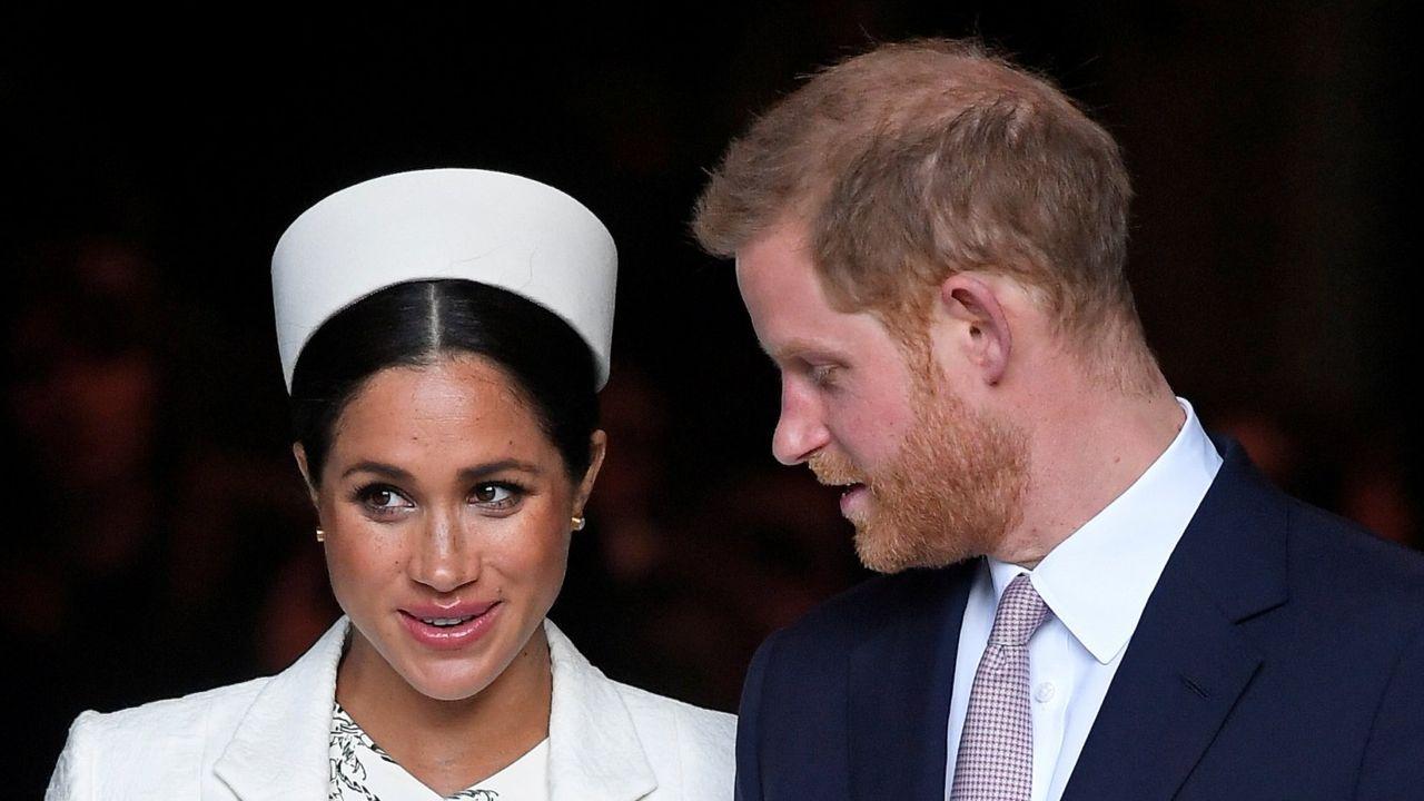 La reina Isabel II conoce al hijo de Harry y Meghan Markle