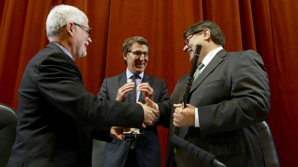Toma de posesión de Julio Abalde como rector de la UDC.Los restos mortales de Meilán Gil fueron honrados en el Paraninfo de la Universidade da Coruña