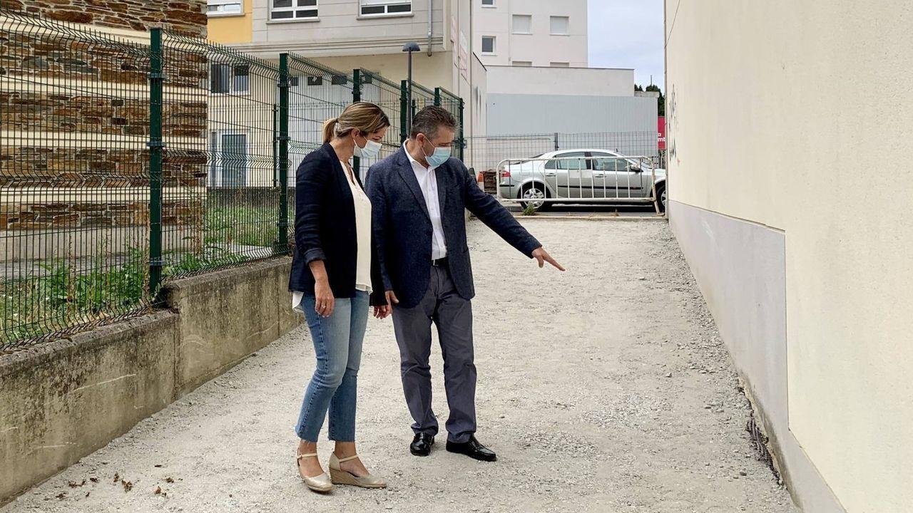 La alcaldesa de Lugo, Lara Méndez, y el concejal de urbanismo, Miguel Couto