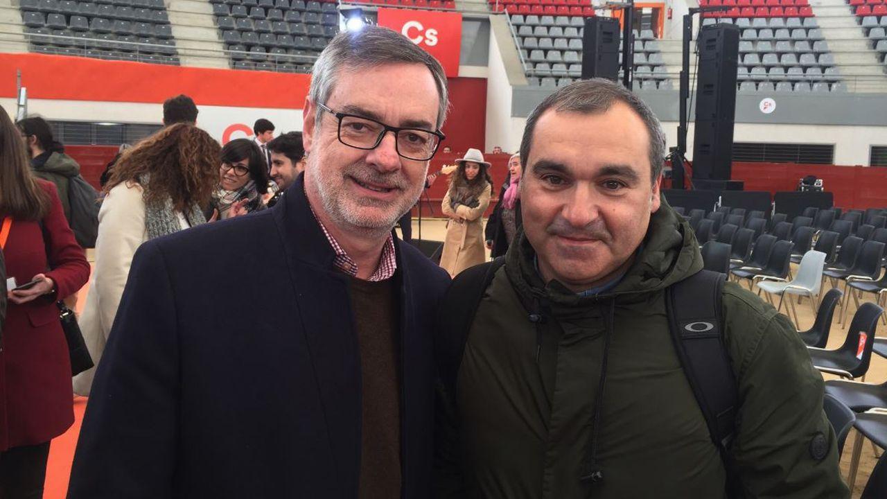 Gijón, desde el aire.Manuel Iñarra (derecha) junto a José Manuel Villegas